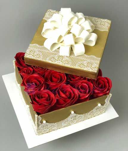 Коробка с розами №409