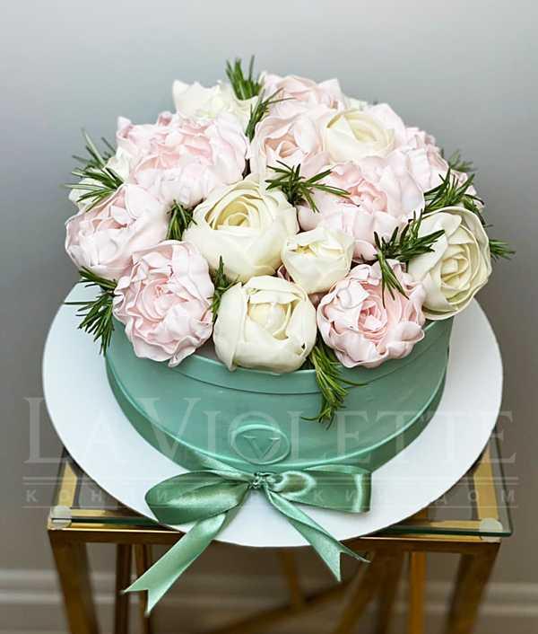 Торт Коробка с цветами №1260