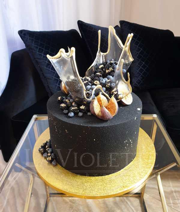Торт в велюре с ягодами №1071