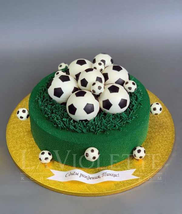 Торт с футбольными мячами №1076