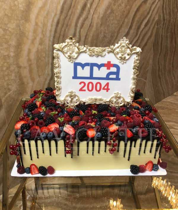 Корпоративный торт с ягодами №1090