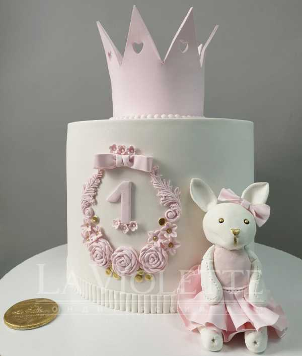 Торт с зайчиком и короной №1102