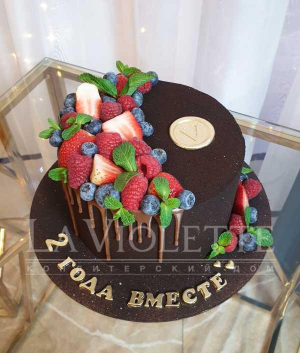 Торт в велюре с ягодами №1129