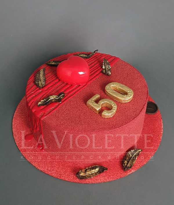 Торт красный в велюре №1138