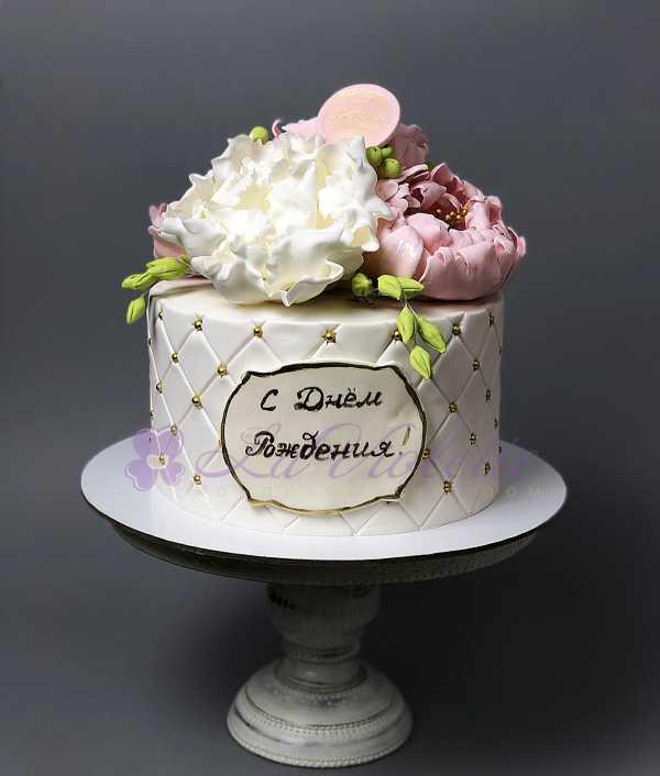 Торт с пионами №117