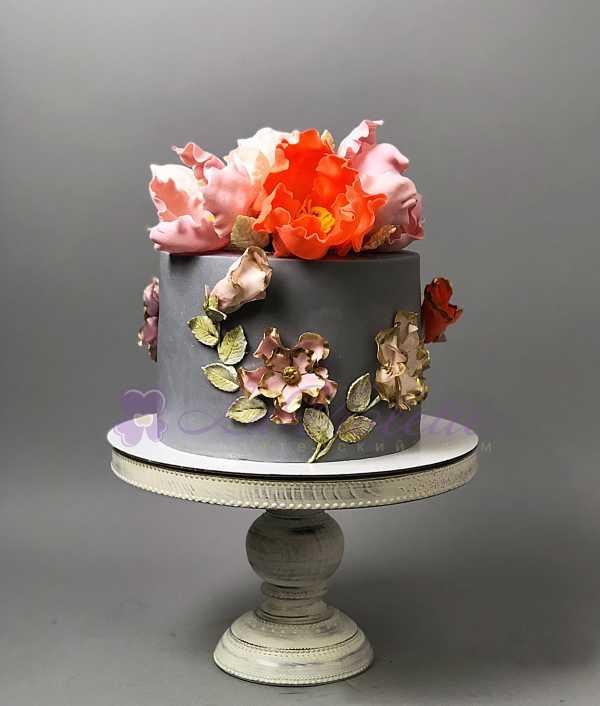Торт с пионами №345