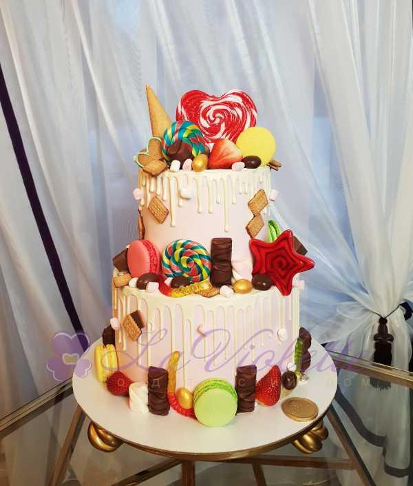 Торт с конфетами №887