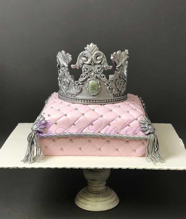 Торт с короной №111
