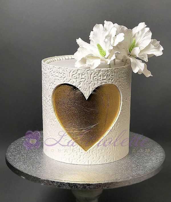 Торт с сердцем №981