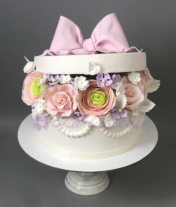 Торт Коробка с цветами №544